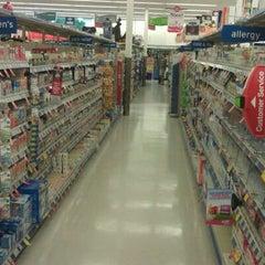 Photo taken at Walgreens by Ricardo Z. on 9/4/2011