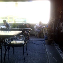 Photo taken at Friendly's Guesthouse, Adriatico St., Malate by Carlos Olmo V. on 1/26/2012