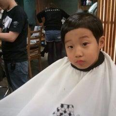 Photo taken at 라이크어유키 / Like a Yuki by Kim E. on 11/26/2011