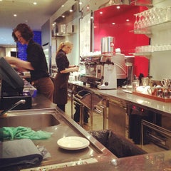 Photo taken at espressamente illy coffee bar by Jorge R. on 4/20/2012