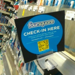 Photo taken at Duane Reade by Holden K. on 8/11/2012