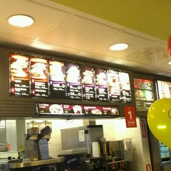 Photo taken at McDonald's by Jose R. on 3/31/2012