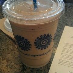 Photo taken at Peet's Coffee & Tea by Cindy Y. on 8/22/2011