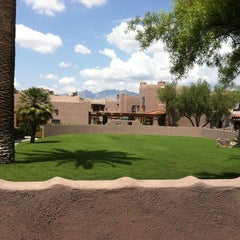 Photo taken at Lodge on the Desert by Rhette B. on 8/11/2011