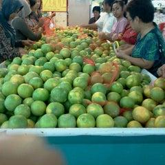 Photo taken at Indogrosir by Joko Budi P. on 10/15/2011
