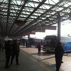 Photo taken at 인천종합터미널 (Incheon Bus Terminal) by 이 윤. on 2/14/2012