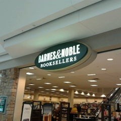 Photo taken at Barnes & Noble by TJ B. on 9/3/2011