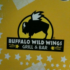 Photo taken at Buffalo Wild Wings by Leslie P. on 3/24/2012