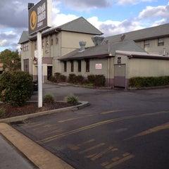 Photo taken at Hotel Jesmond by Missxstatic on 5/30/2012