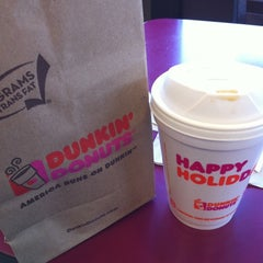 Photo taken at Dunkin Donuts by Veronica H. on 1/1/2011