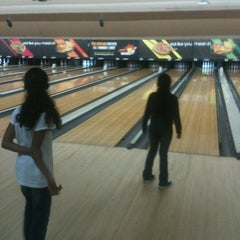 Photo taken at AMF 34th Avenue Lanes by Kambri C. on 5/22/2012