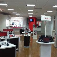 Photo taken at Verizon by Sonney P. on 2/1/2012