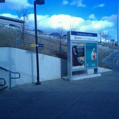 Photo taken at Franklin Avenue LRT Station by Paulino B. on 11/16/2011