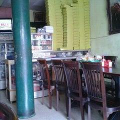 Photo taken at Mojo Steak 'N Iga by Ardhy N. on 10/4/2011