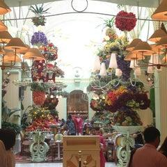 Photo taken at The Buffet at Wynn Las Vegas by Jennifer L. on 3/23/2012