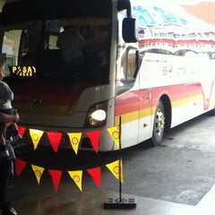 Photo taken at Victory Liner (Baguio Terminal) by Jemelyn C. on 2/27/2012