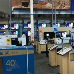 Photo taken at Best Buy by M.M.A on 10/30/2011