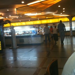 Photo taken at 88 Buffet by Richard H. on 8/22/2011