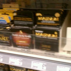 Photo taken at Duane Reade by Lizzy L. on 8/22/2011