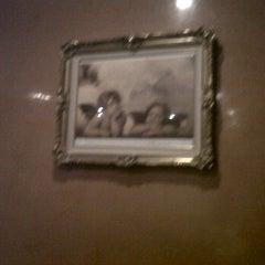 Photo taken at Antonino's Italian Restaurant by ARTHUR ALDERETE Real Estate on 2/1/2012