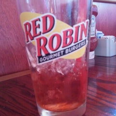 Photo taken at Red Robin Gourmet Burgers by Jacy B. on 10/12/2011
