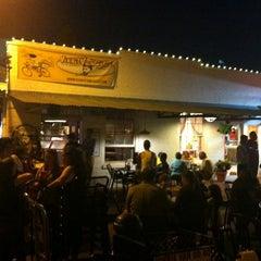 Photo taken at Vinnie Van Go-Gos by Dain M. on 4/16/2011