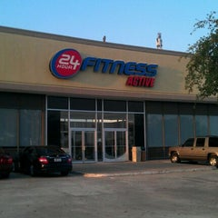 Photo taken at 24 Hour Fitness by Derrek B. on 9/3/2011