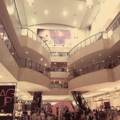 Photo taken at SM City Makati by Pj B. on 2/18/2012
