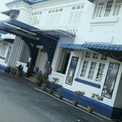 Photo taken at Balai Polis Melaka Tengah (Cawangan Trafik) by .. .. on 6/10/2012