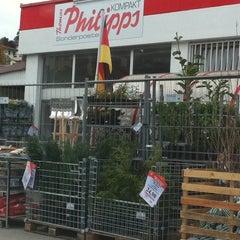 Photo taken at Philipps Markt & Sonderposten by Florian 🐶 O. on 9/23/2011