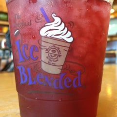 Photo taken at The Coffee Bean & Tea Leaf® by Khalid R. on 8/20/2012