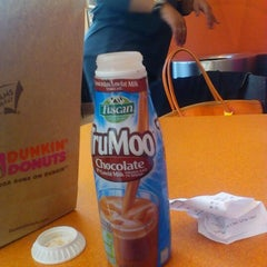 Photo taken at Dunkin' Donuts by Paris W. on 10/6/2011