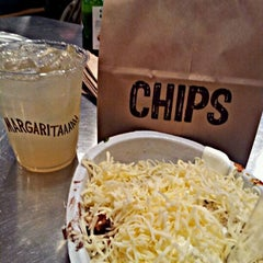 Photo taken at Chipotle Mexican Grill by Ranese S. on 2/20/2012