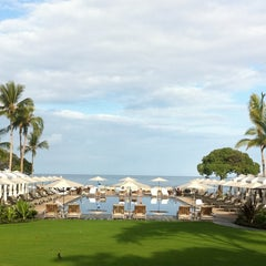 Photo taken at Four Seasons Resort Hualalai at Historic Ka`upulehu by Volker K. on 11/7/2011
