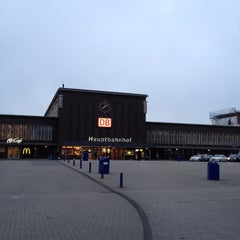 Photo taken at Duisburg Hauptbahnhof by Rouven K. on 4/17/2012