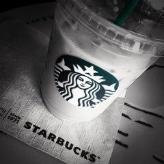 Photo taken at Starbucks (สตาร์บัคส์) by Tae N. on 2/27/2012