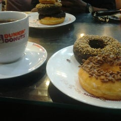 Photo taken at Dunkin Donuts by Alvin S. on 3/31/2012