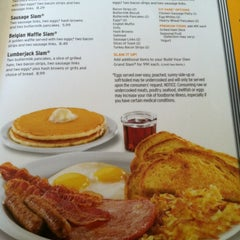 Photo taken at Denny's by Cj MONS T. on 8/26/2012