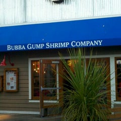 Photo taken at Bubba Gump Shrimp Co. by Brendon K. on 8/30/2011