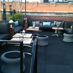 Photo taken at STK Rooftop by Siwat S. on 9/14/2011