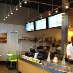 Photo taken at Energy Kitchen by Danilo C. on 7/11/2012