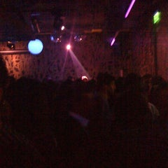 Photo taken at Liquid by Adri F. on 7/20/2012