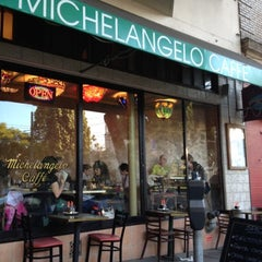 Photo taken at Michelangelo Caffe by Raquel L. on 8/1/2012