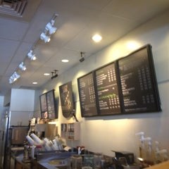 Photo taken at Starbucks by Yxes 💋🎉💃🏽🎊 ☕. on 6/19/2012