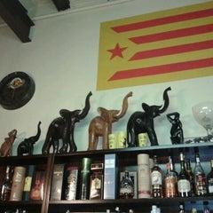 Photo taken at Cerveseria mes parroquia by Ypsilon V. on 4/28/2012