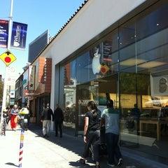 Photo taken at Apple Store, Chestnut Street by Chantale W. on 7/4/2012