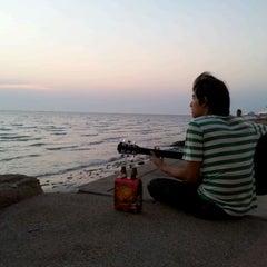 Photo taken at หาดวอนนภา (Wonnapa Beach) by Chayanon R. on 2/6/2012