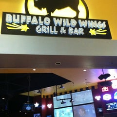 Photo taken at Buffalo Wild Wings Grill & Bar by Randem N. on 4/22/2012
