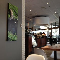 Photo taken at Blenz Coffee by Sabrina Y. on 3/3/2012