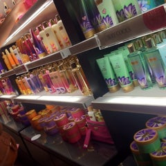 Photo taken at Victoria's Secret PINK by Carlos E. on 8/30/2012